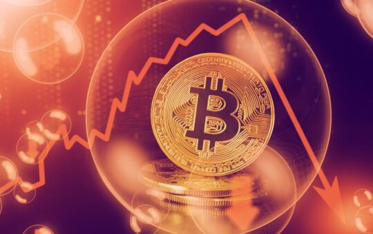 Bitcoin Crashes 10% in Hours as Crypto Market Sheds $300 Billion